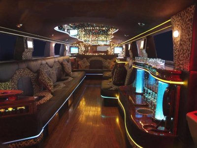 int rieur hummer limousine casse de luxe. Black Bedroom Furniture Sets. Home Design Ideas
