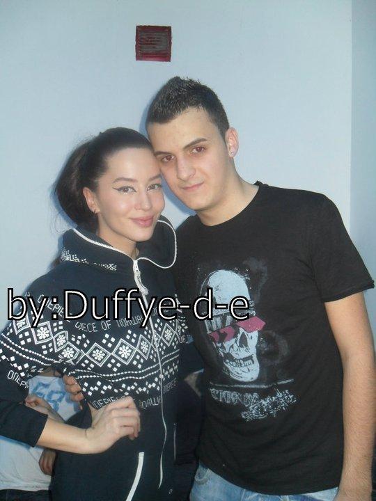 Dafina Zeqiri me fanse