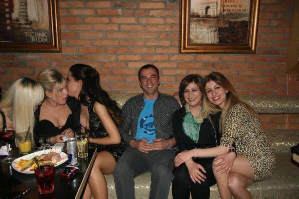 Dafina Zeqiri - foto nga ditlindja e saj - 14.04.2011