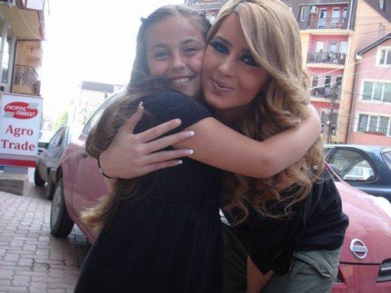 Dafina Zeqiri - foto me fansa - 2010