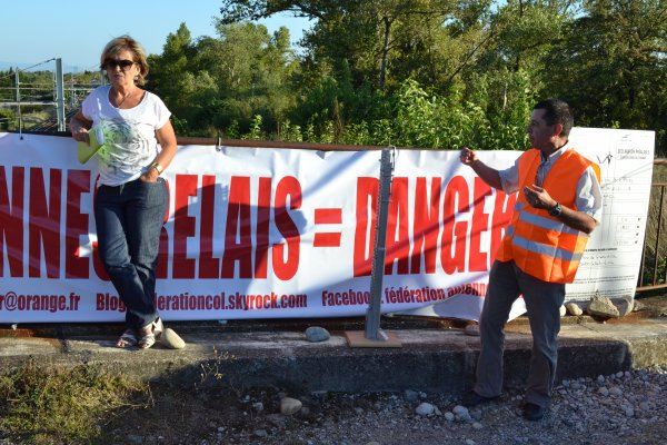 Manifestation à Pont de l'Isère (26) hier soir !!!!!