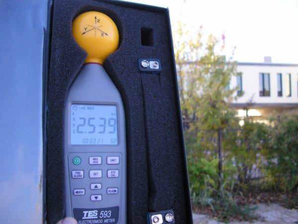 Mesures de rayonnements électromagnétiques à Bourgoin Jallieu (38)