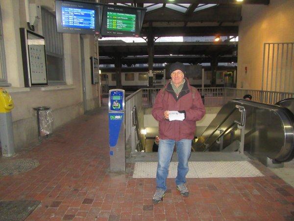 Distribution de tracts devant la gare de valence(26) !!!