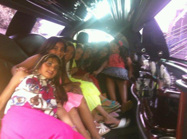 moi dans la limousine avec mes cousine