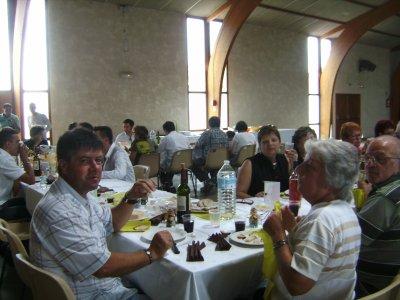 la table des personnes agee dominique le patron de lionel les oncles et tantes au bapteme