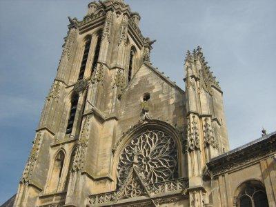 jolie cathedrale de pontoise