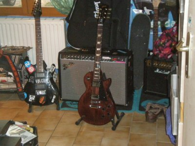 Ma gratte :) gibson Les paul Studio Deluxe