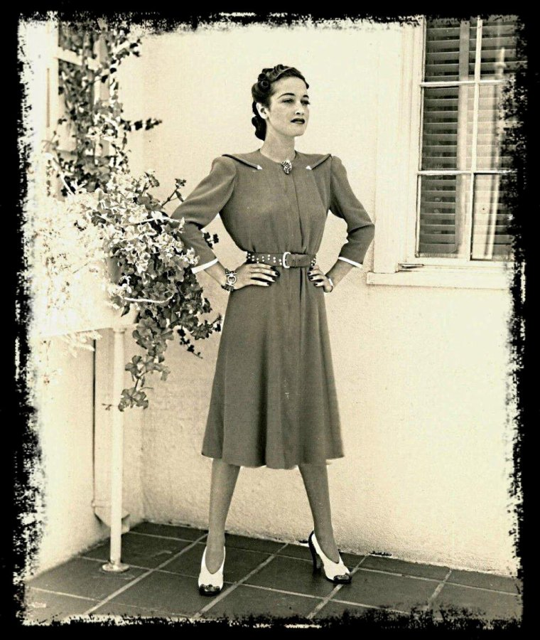 Dorothy LAMOUR (taille 1 m 65)