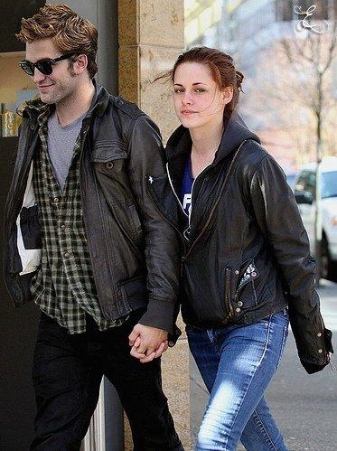 Kristen Stewart et Robert Pattinson trop love ... ils vont ENFIN s'installer ensemble