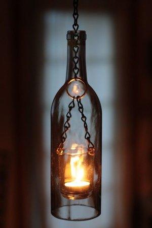 À la lanterne d'une bouteille...