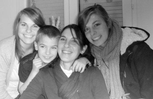 La famille <33