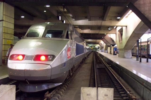 C'est beau un TGV ,pas vrai?