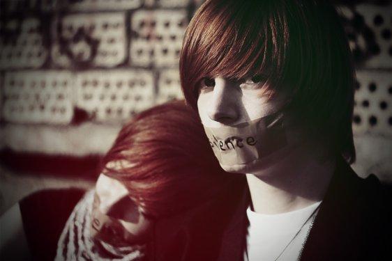 Une enfance brisée, une adolescence tourmentée.