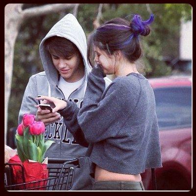 Selena.G : Ses mèches de cheveux font scandales