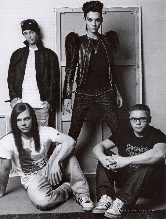 """"""" Etre fan sa ne se decrit pas, sa se vie """" : Bill K.  //  """"On ne critique pas nos fans ! Ce sont les meilleures"""" :Tom K. //"""" Tu as cette personne en poster devant toi. Tu t'imagines. Tu rêves. Tu aimerais ... et rien de tout cela ne sera jamais possible. C'est si dur de voir la réalité en face. """" : Georg L. //  """" Nous respectons énormément nos fans pour toute l'énergie qu'ils nous apportent... Et oui à mes yeux ce sont les meilleurs. """" Gustav S."""