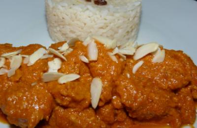 Poulet korma  Une recette indienne, qui mélange épices et douceur.