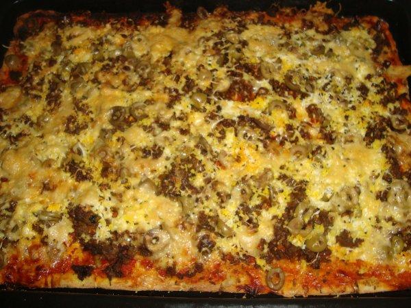 Pizza a la viande hachée et olive!