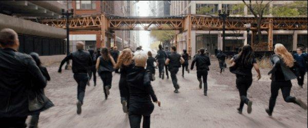 Divergent / Run by run (2014)