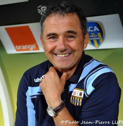 Estevan n'est plus entraineur de Arles Avignon sont successeur devrait étre Hadzibegic