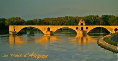 Re le pont d'avignon sous son plus bel angle