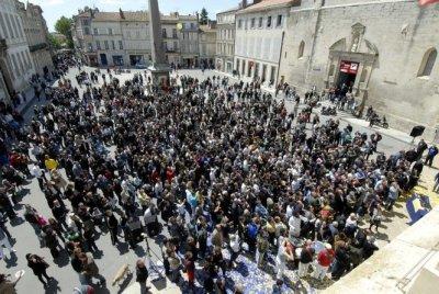 Il y avait du monde a Arles pour féter la monter de l'ACA en ligue 1 !!