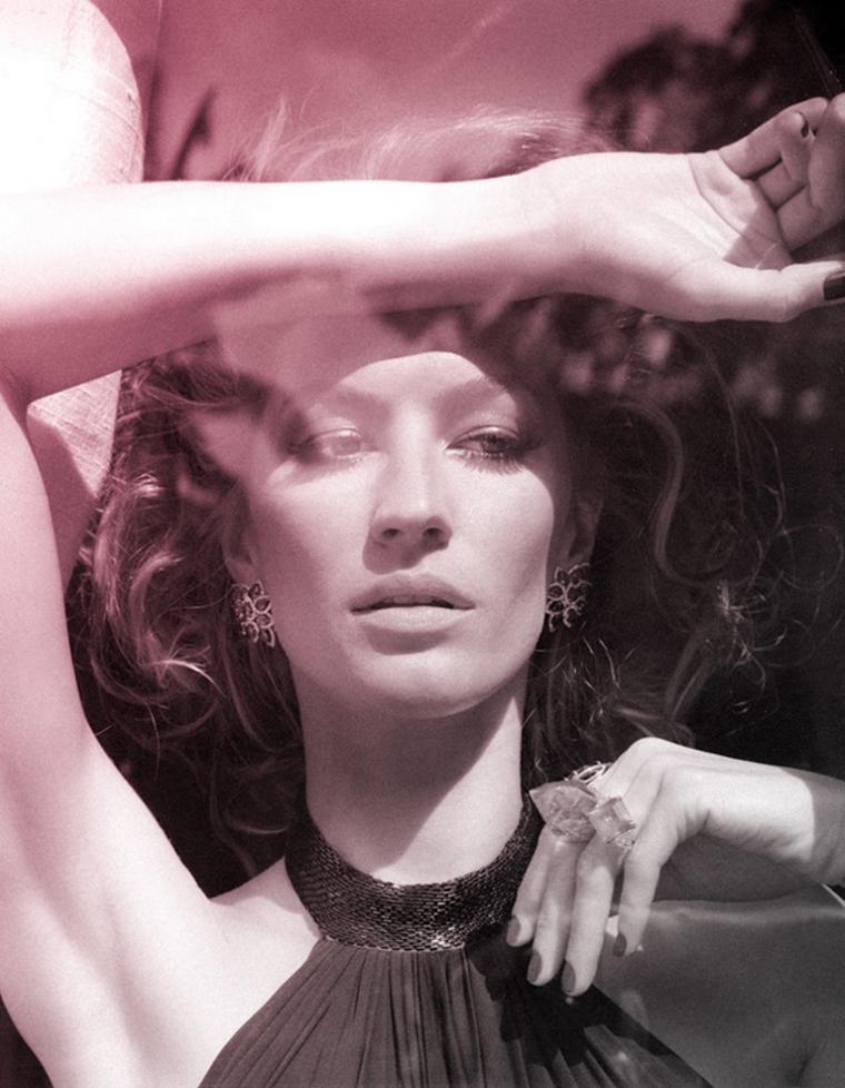 Gisele Bundchen for Vogue Brazil  October 2010