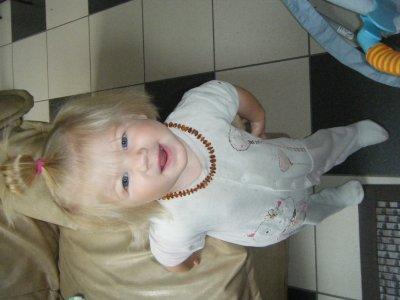 ma petite chouchoute!!! YNHAELLE 1AN ET DEMI ca grandit tt ca .septembre 2010