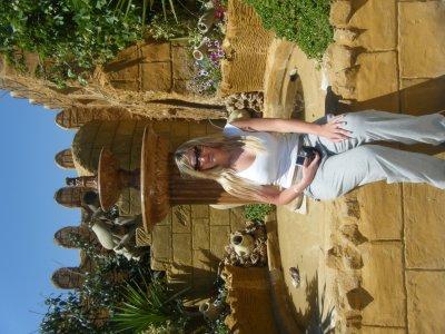 tunisie MAI 2010: ma chéwie adélie trop chaud ce jour la horrible.... excursion en dromadaire hihi... inoubliable ma poule