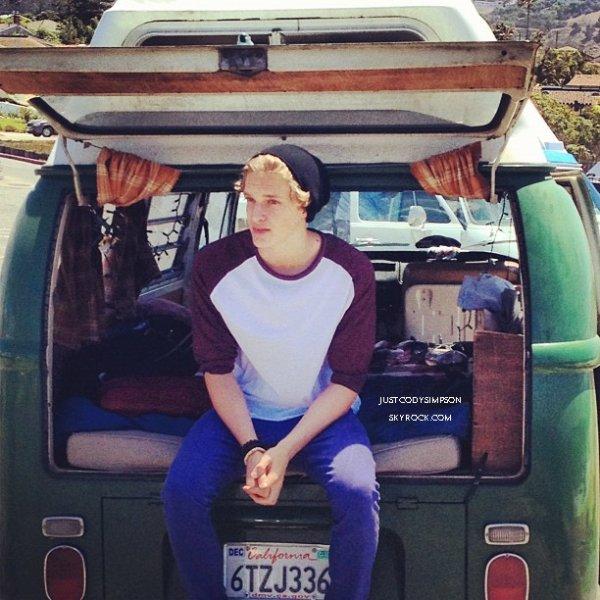 ____ Pas beaucoup de news en ce moment, je vous met juste quelques photos provenant de l'instagram de Cody & de Matt Graham. ____