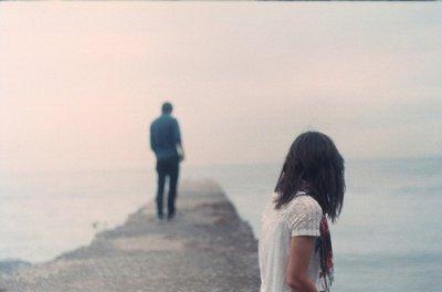 Fuis moi je te suis, suis moi je te fuis.
