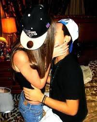 """"""" L'embrasser a changé ma vie. J'ai compris à quel point j'avais envie d'être avec toi en embrassant la mauvaise personne ... """""""