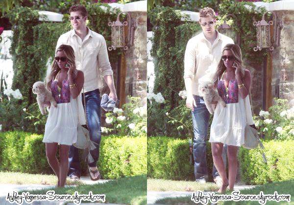 --      ● Ashley quitte sa maison accompagnée de son petit-ami Scott ce 2 Juillet ●       --     ● Ashley fête son 27ème birthday à la plage de Malibu en compagnie de Scott & d'amis ce 2 Juillet ●   --