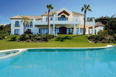 chapitre 14: Les vacances en Espagne, mauvaise rencontre et mauvais souvenirs