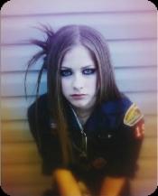 Les raisons pour lesquelles j'aime Avril  ♥★♫☠