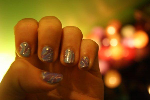 nail art bleu et violet