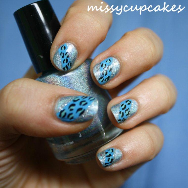 Nail Art blue panthère