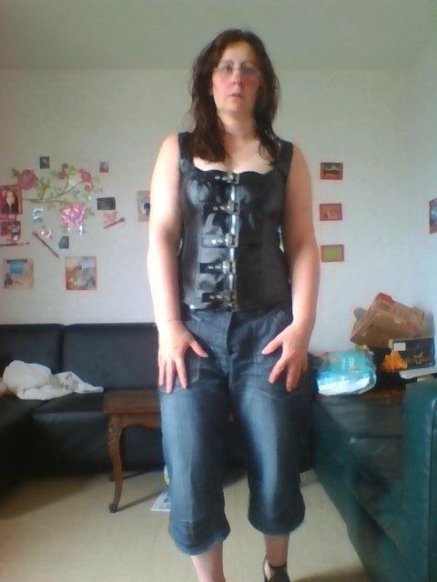 voila QUE 2 corsets et 1 PAIRE DE CHAUSSURES de recu plus qu a attendre les autres maintenant !!!!!