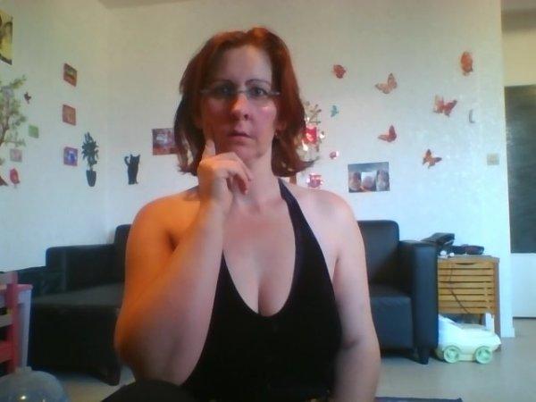 Heuuuuuuu les cheveux courts ca fait moins sexy quand meme !!!!!