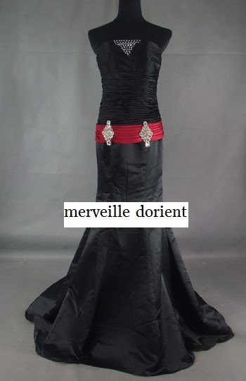 siréne noire robe faite sur mesure delais de confection 1mois 99¤