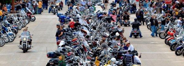 buffalo chip la plus grande concentration de moto au etats-unis,de superbe moto