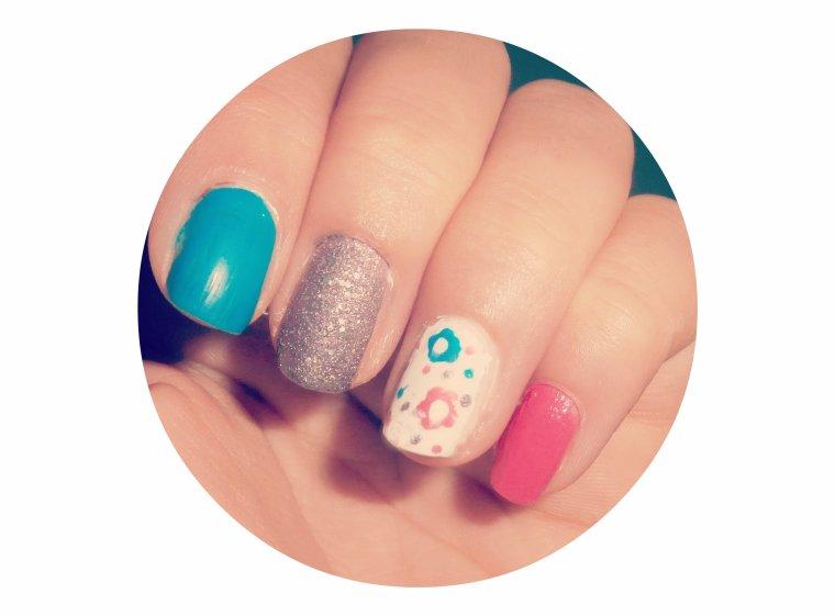 !!! nail art fleuri !!!