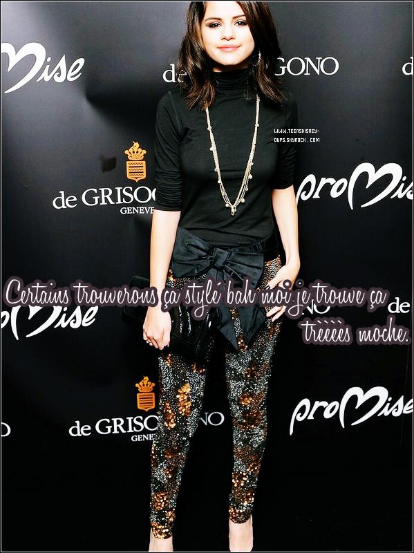 J'ai trouvé pire que la tenue de Demi et c'est Selena qui s'y colle ! Adieu ses jolis tops.