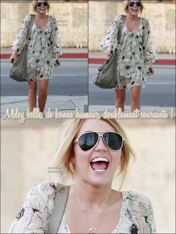 On retrouve enfin la vraie Miley et ça fait plaisir. #ouaisouais
