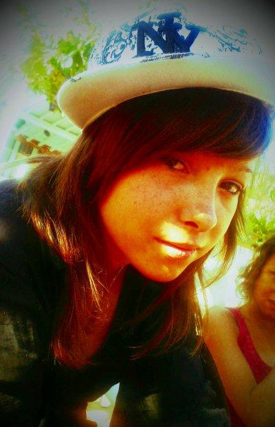 Moi & encore moi :) Avec ma super casquette ;)