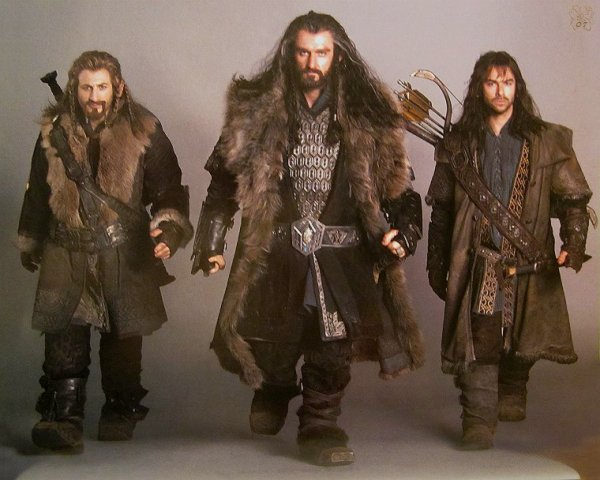 ■ [ The Hobbit ]  Cliché promotionnel de Thorin, Fili & Kili