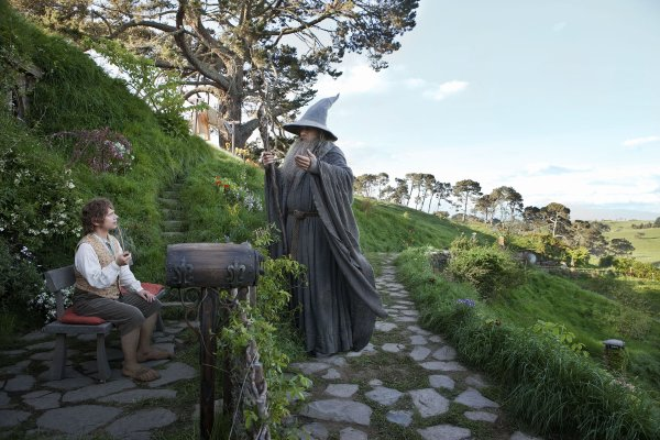■ [ The Hobbit ]  Cliché HD de Bilbo & Gandalf à Hobbiton