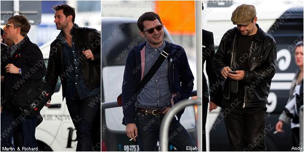 ■ [ The Hobbit ]  Martin, Richard, Andy et Elijah viennent d'arriver en Nouvelle-Zélande