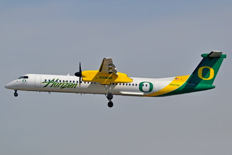 "De Havilland Canada DHC-8-401Q Dash 8 Horizon Air - ""Ducks"""