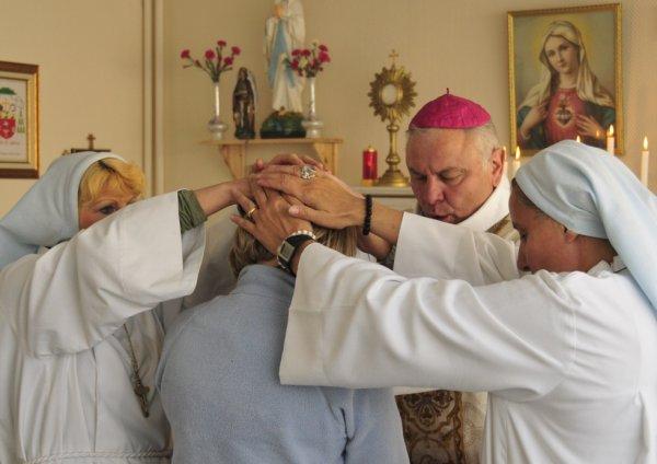 bénédiction du clergé aux fidèles