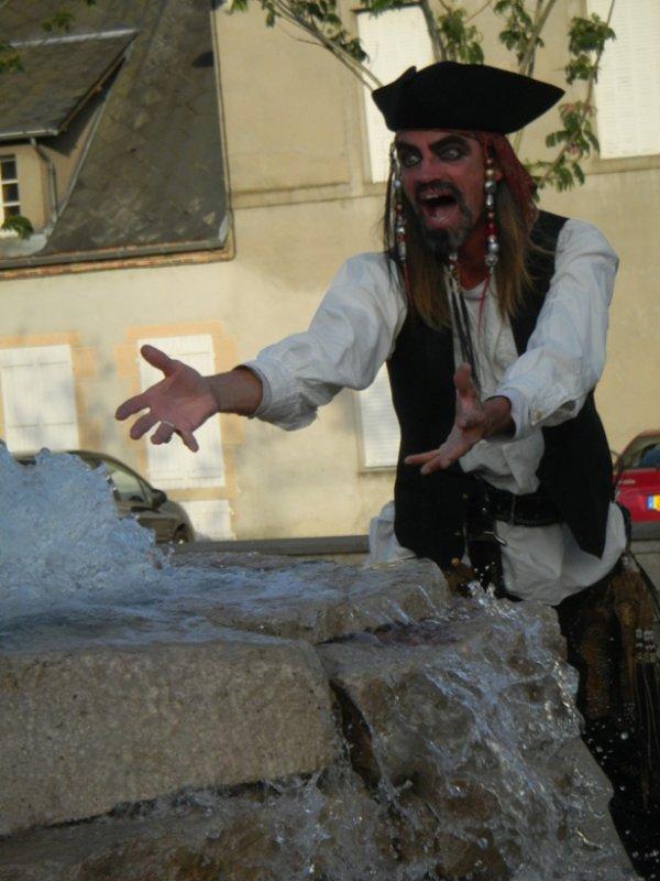 Guerit et DJ Aristos vous acceuillent en 2012 au Chateau : SOIRÉE DINER Spectacle